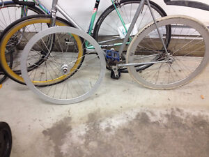 B43 Velocity Fixed gear Silver wheelset + Gold Pure fix rim