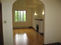 Nice-clean-spacious 2 bdr - immed-$ 798 -only $266-3 students