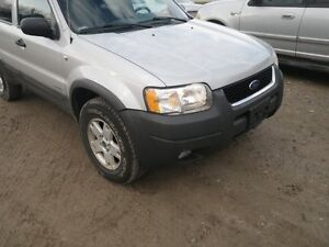 PARTING OUT 2002 ESCAPE 4X4 W/90,000 KMS London Ontario image 1