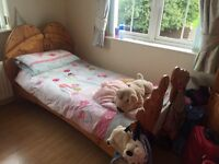 Childs bed plus furniture