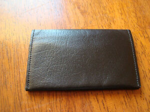 Buxton leather business/credit card holder