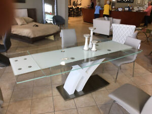 Glass Kitchen Table opens to fit 10 people