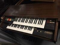 Piano £10
