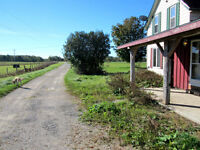 Large Farmhouse for Rent, 10 min drive from Owen Sound