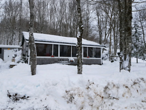 CAMP/ COTTAGE FOR SALE IN BYERS LAKE