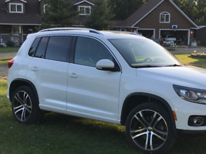 2017 VW Tiguan Highline W/R-Line Package