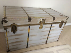 Vintage Steamer Trunk made by Union Trunk/Coffee Table
