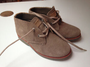 New boys Sperry Top-Siders, size 11