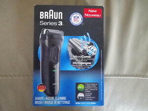 Braun Series 3 Black Foil Shaver - 3020 (brand new)