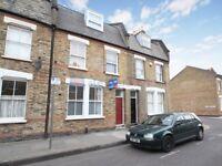 2 bedroom flat in Senrab Street, Stepney E1