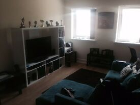 A room to rent in 2 bedrooms flat, all the BILLS INCLUDED