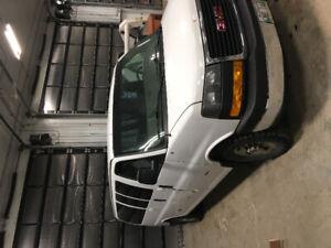 2011 Gmc Savana  3500 15 passenger duramax van