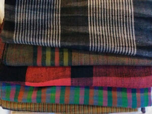 Scarves & authentic pashminas, in cashmere, merino wool and silk