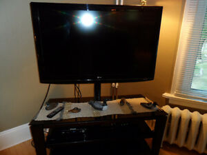 46 inch TV with stand LG model great condition