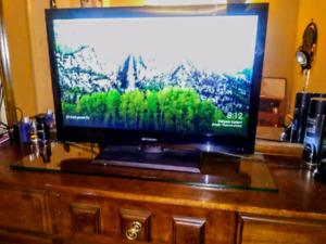 32 Inch Emerson 1080p Full HD Flatscreen