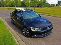 2014 Volkswagen Jetta Trendline + Sedan TDI