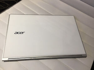 Acer Aspire S7 -WQHD Touchscreen Ultrabook (Crystal White)!!
