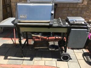BBQ Grill Weber Genesis Gold