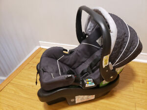 Eddie bauer car seat 35lbs with base
