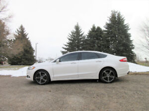 2014 Ford Fusion SE AWD- Leather & Navigation!!  ONE OWNER!!