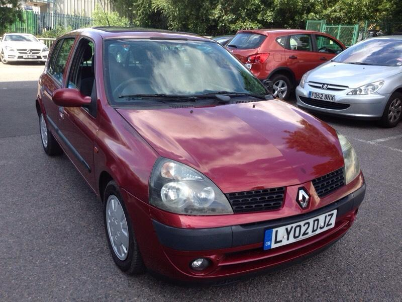 renault clio 1 4 expression 5dr sunroof in wembley london gumtree. Black Bedroom Furniture Sets. Home Design Ideas