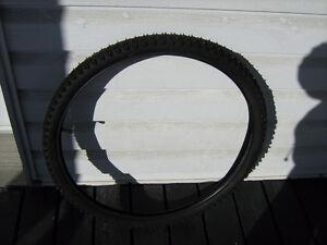 pneu vélo montagne 26 a clous pour glace hiver artisanal Lac-Saint-Jean Saguenay-Lac-Saint-Jean image 2