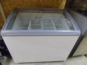Freezer, Range, Donair Mach. Fryers, Tables, Warmers,727-5344