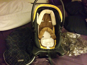 Safety 1rst Carseat and assesories