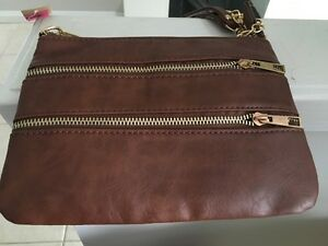 Basic brown sidebag