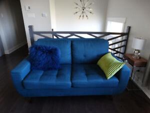 Like new curvy Sofa