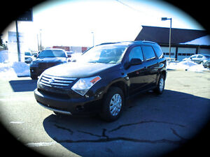 2009 Suzuki XL7, LEATHER HEATED SEATS, MOONROOF. **AWD** 7PASS.