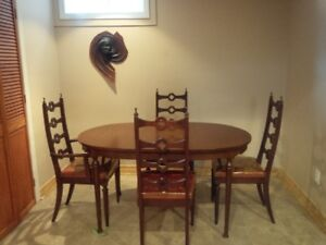 Beautiful Vintage Dining Room Set Made By Knechtel Furniture