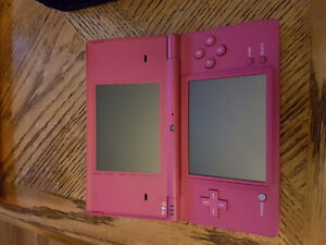 Lightly used DSi with popular games and case.