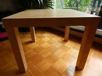 Tables basses modèle LACK de IKEA