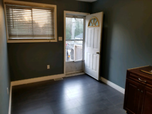 2 bdrm Main Level Apt in Omemee $1400 inclusive