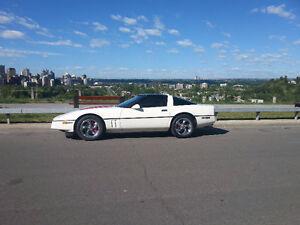 1986 Chevrolet Corvette white Coupe (2 door)