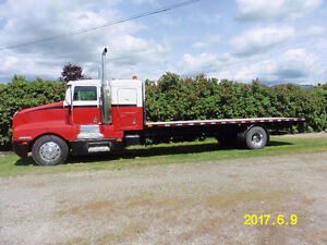 1994 Kenworth T600 Single Axle 24 Foot Flatdeck