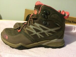 Size 6.5 north face winter boots