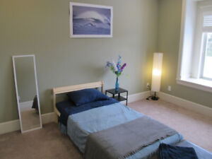 Furnished Room Near Bus Stop for Female