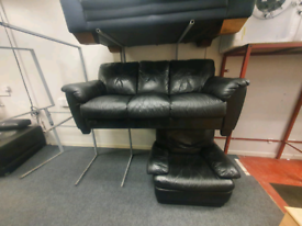 3&1 seater sofa in black leather Hyde £179