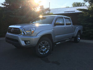 2013 Toyota Tacoma Limited - Less Than 60,000kms - 1 Owner!!