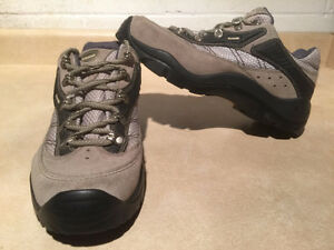 Women's Kamik Hiking Shoes Size 11 London Ontario image 1