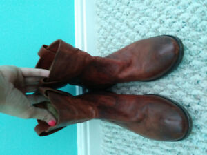 Womens Frye boots size 7.5