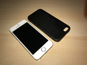Apple iPhone 16GB Silver with Apple Leather Case - Rogers