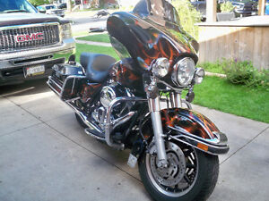 HARLEY DAVIDSON FLHTP POLICE.....SO YOU KNOW ITS WELL MAINTAINED