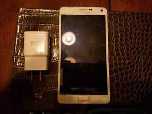 Unlocked galaxy Note 4 great conditon with new otterbox