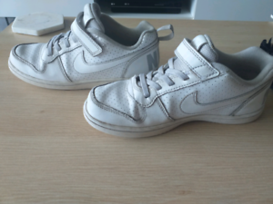 Nike Court Borough Low Shoes Runners Velcro Size 2