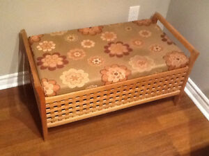 Honey-Coloured Storage Bench with Cushion