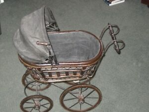 VINTAGE DOLL BABY CARRIAGE