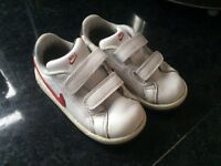 Nike infant size 7 trainers